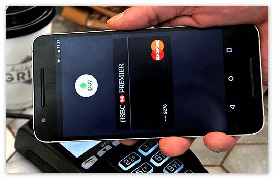 Приложение Андроид Пей на смартфоне
