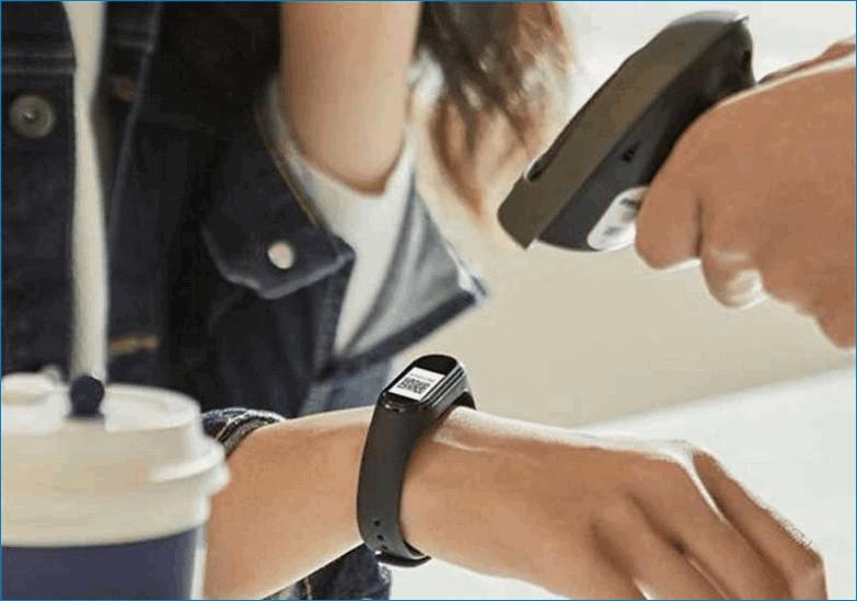 Сканирование QR кода на фитнес браслете